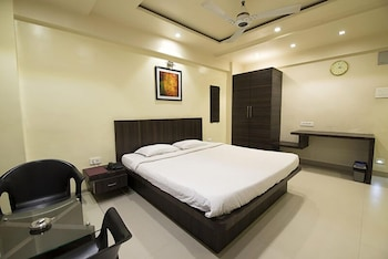 Picture of Hotel Suresh Inn in Pune
