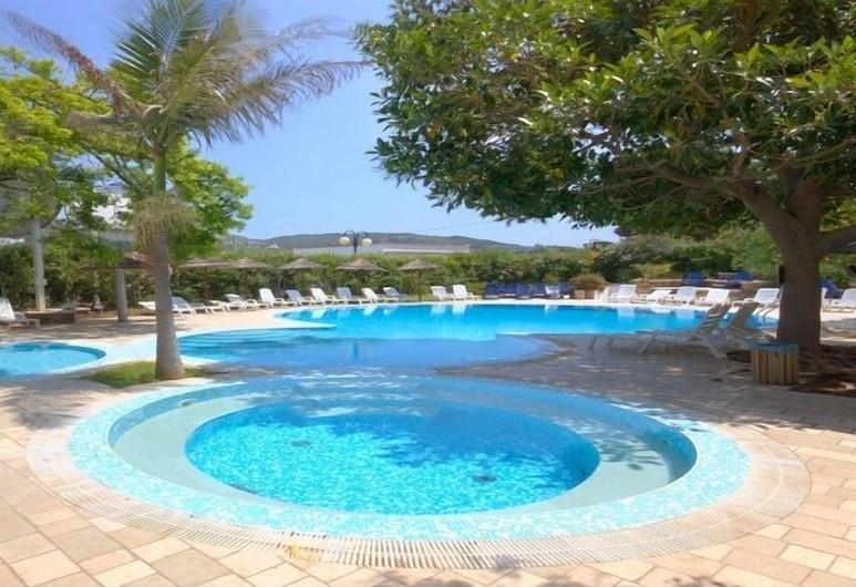 โรงแรมพาร์ค วาลเลคลาเวีย, Peschici, สระว่ายน้ำกลางแจ้ง