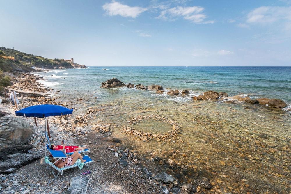 Villaggio Camping Miramare Livorno Beach