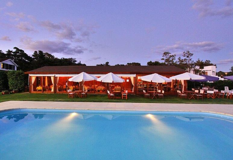 Hotel Terraza del Mar, Punta Ballena, Lauko baseinas