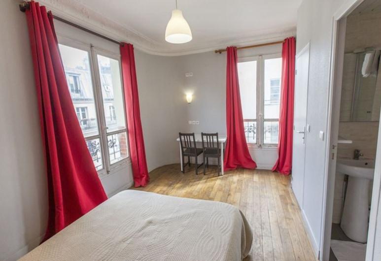 Hipotel Paris Sacre Coeur Olympiades, Paris, Standard Double Room, Guest Room