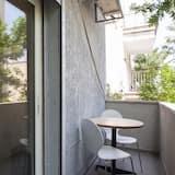 Studio ( 206 Hayarkon st. 1st floor no lift) - Balcony