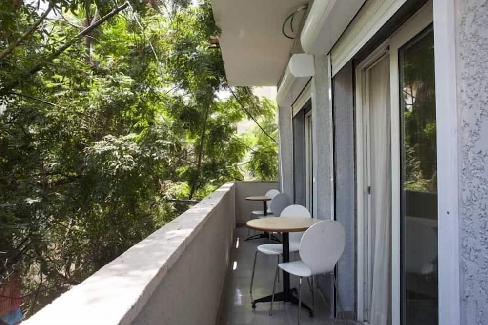 Apartment, 1 Bedroom (A 206 Hayarkon st. 1st floor no lift) - Balcony