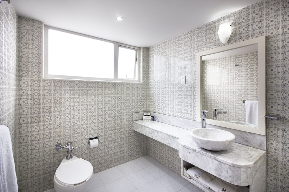 Suite (2 King beds) - Bagno