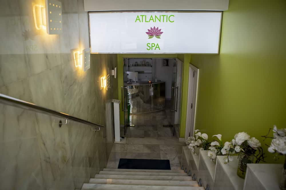 Интерьер, вход