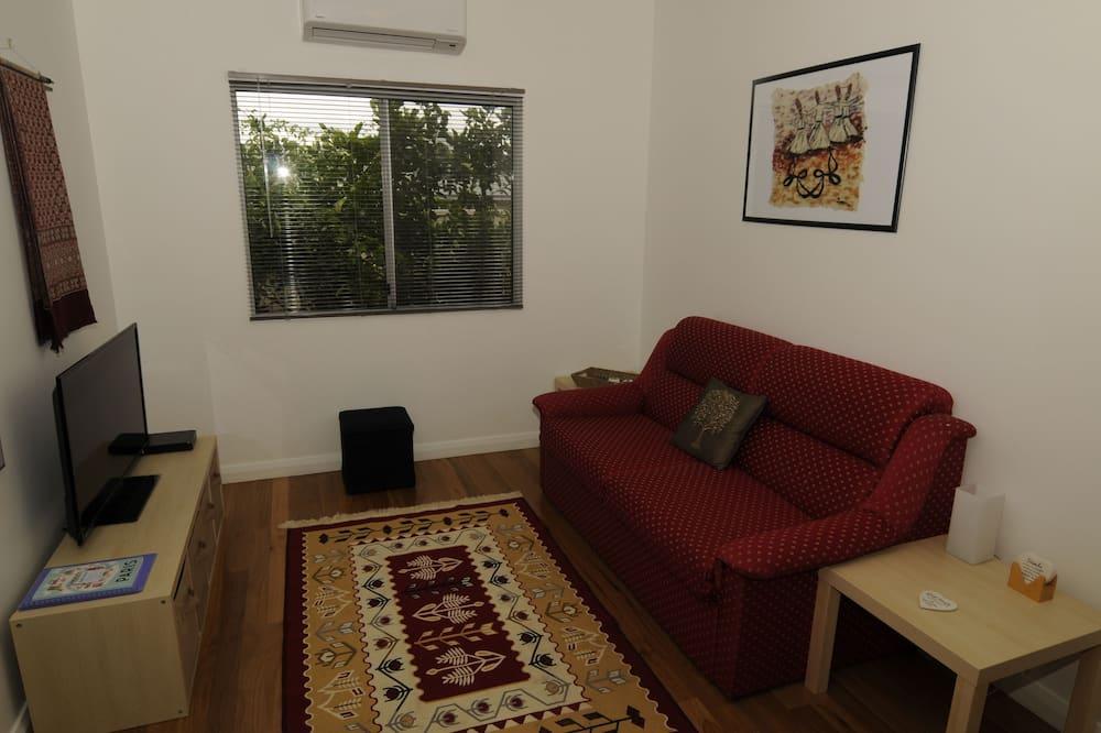 Romantic Cottage, 1 Bedroom, Garden View - Living Area