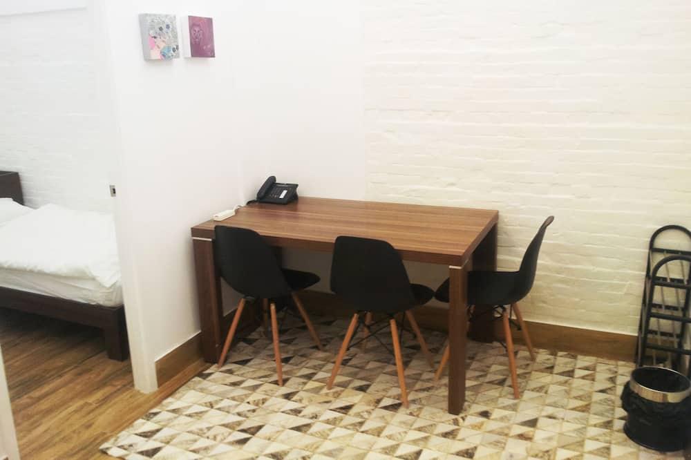Comfort Quadruple Room, Shared Bathroom - In-Room Dining