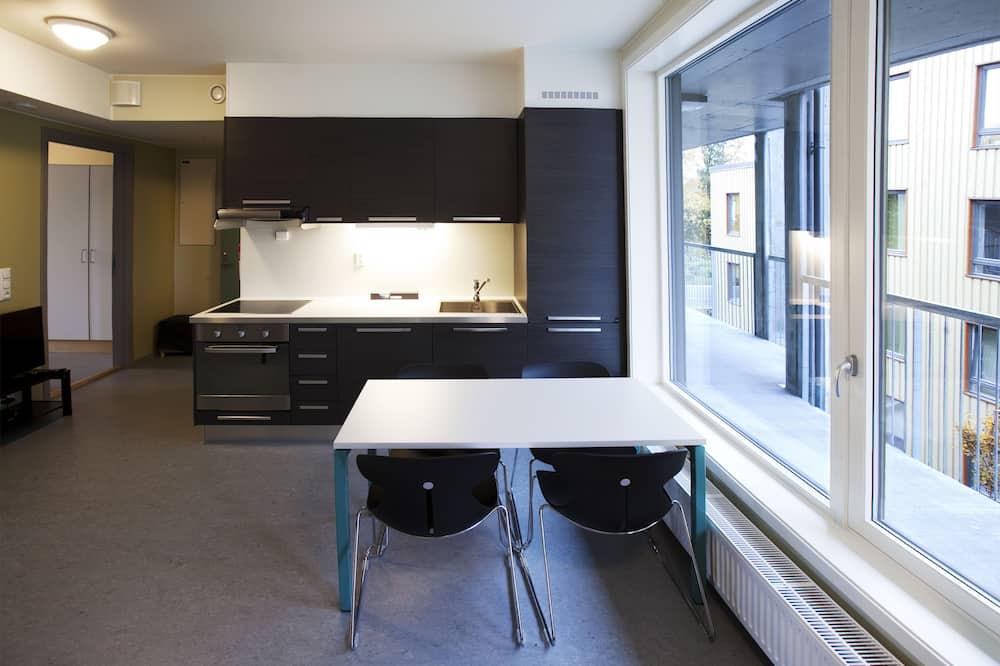 Basic Single Room, Shared Bathroom - Shared kitchen