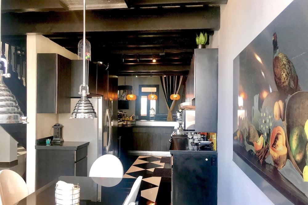 ลักซ์ชัวรี่เพนท์เฮาส์, 3 ห้องนอน, ห้องครัว, วิวทะเล - พื้นที่นั่งเล่น