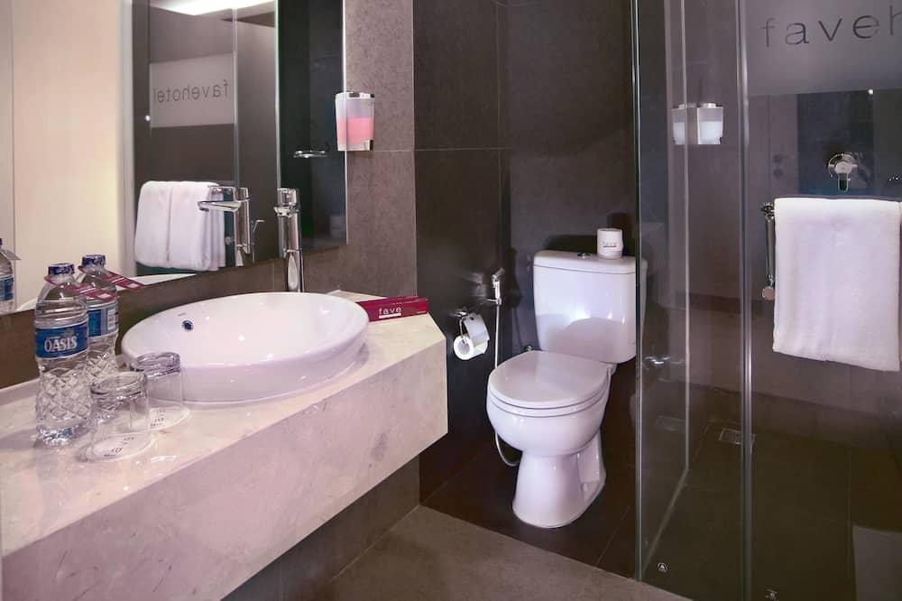funroom - Bathroom