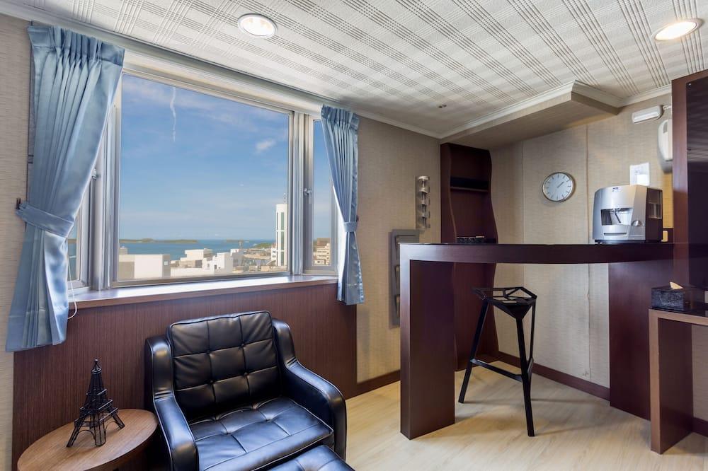 Comfort Triple Room, Tower - Living Area