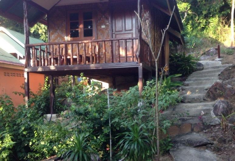 Phi Phi Jungle Hill Bungalow, Ko Phi Phi, Bungalow Double Air Con, Living Area