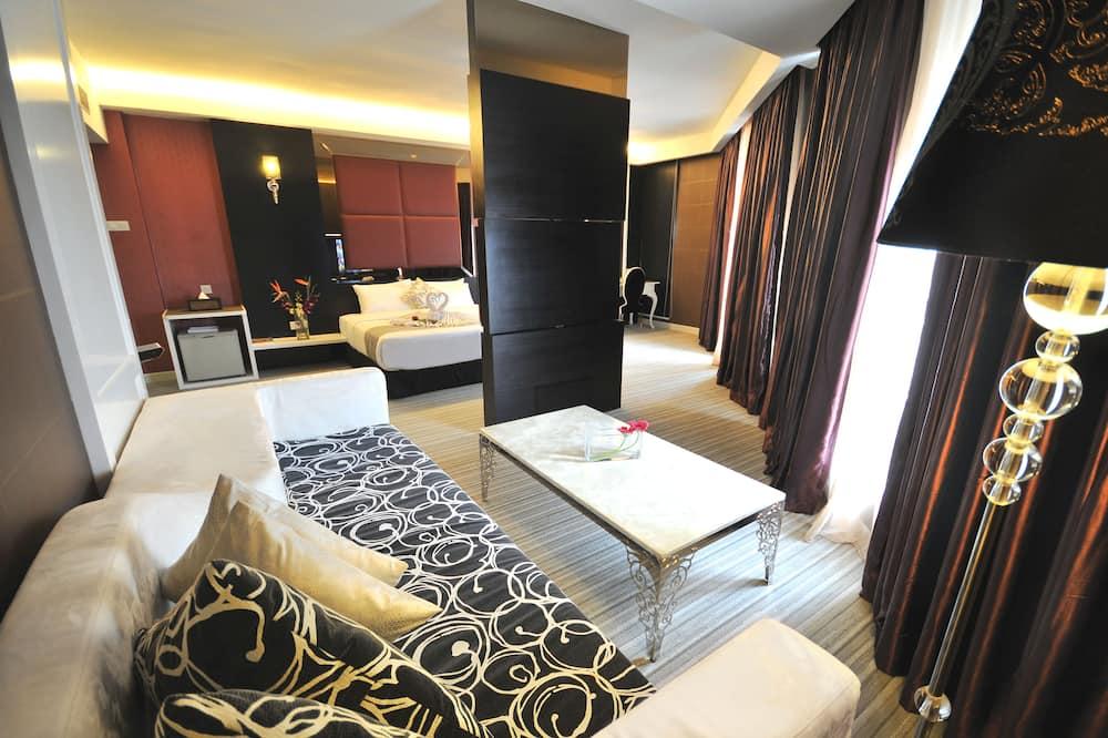 Celebration Double Suite with Jacuzzi - Living Area