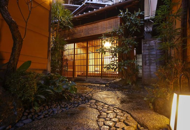 Ryokan Sanga, Kyoto, Exterior