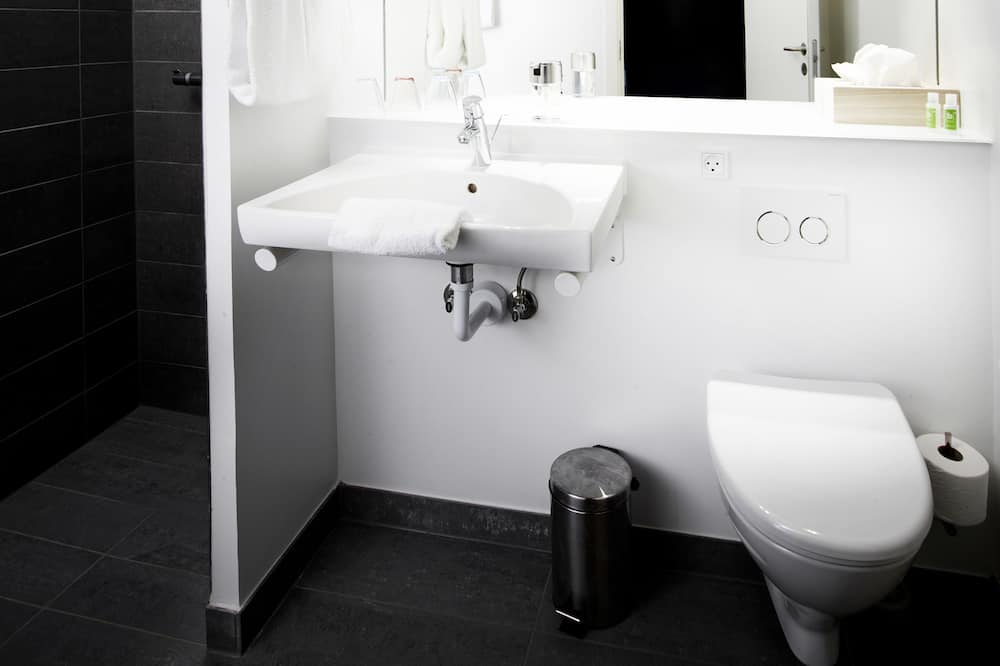 Kamar Double Standar, 1 Tempat Tidur Double, non-smoking, pemandangan kebun - Kamar mandi