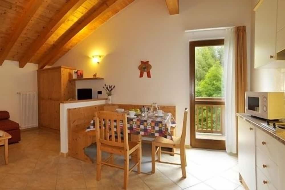 Apartment, 1 Bedroom, Garden View (4 people) - Living Room