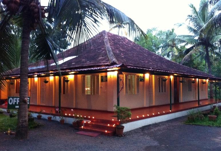 Palm Grove Service Villa, Ernakulam, חזית המלון - ערב/לילה