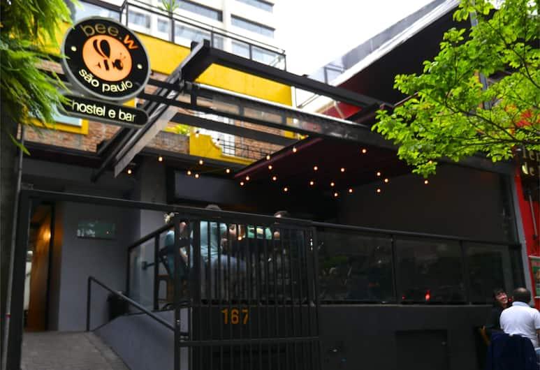 Bee.W Hostel & Bar, San Paulas, Įėjimas į viešbutį