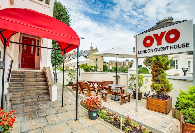 OYO London Guest House, London, Terrace/Patio