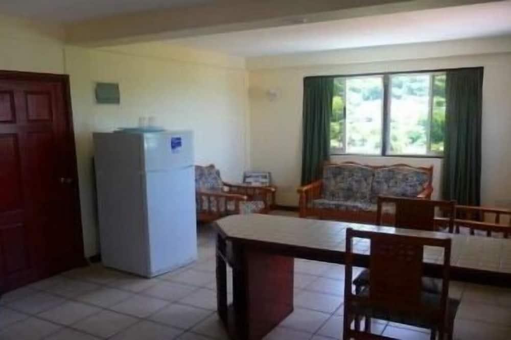 Apartment, 1 Katil Ratu (Queen), Kitchen, Mountain View (No A/C, Apartment 9) - Bilik Rehat