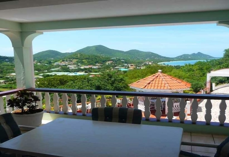 Carriacou Grand View Hotel, Hillsborough, Διαμέρισμα, 1 Διπλό Κρεβάτι, Κουζίνα, Θέα στο Βουνό (Apt 14), Αίθριο/βεράντα