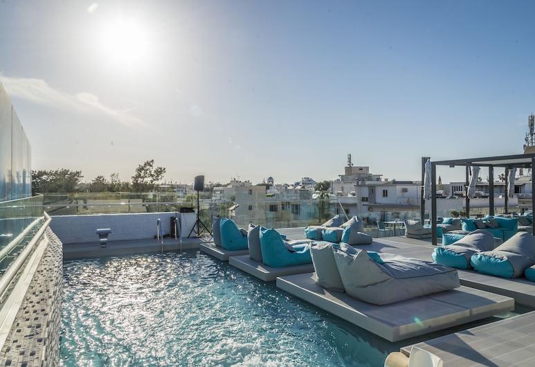 마리티나 호텔, 코스, 야외 수영장