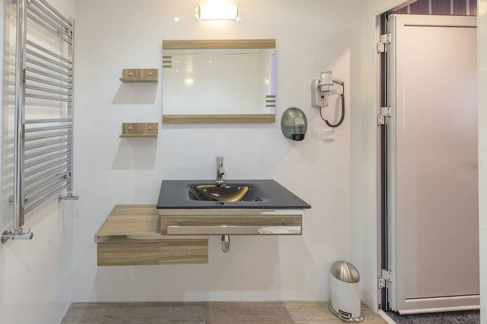 Superior Double Room (without balcony) - Bathroom
