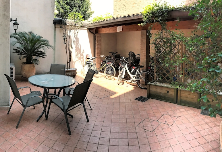 Delizia Estense, Ferrara, Terasa