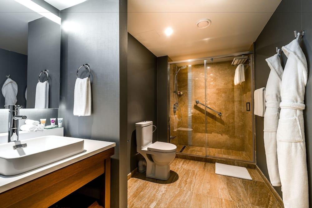 ห้องสวีท, เตียงคิงไซส์ 1 เตียง (Large Yerevan Suite) - ห้องน้ำ
