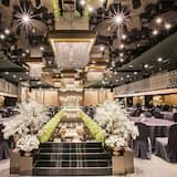 חתונה באזור מקורה