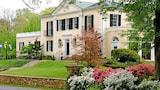 Reserve this hotel in Warrenton, Virginia