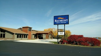Picture of Baymont Inn & Suites Oacoma in Oacoma