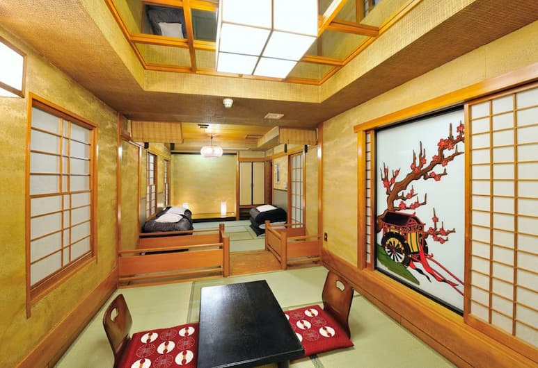 Khaosan World Asakusa RYOKAN & HOSTEL, Tokyo, Deluxe Japanese Room with Bathroom, Living Area