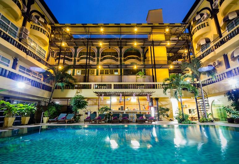 Zing Resort & Spa, Pattaya, Außenpool