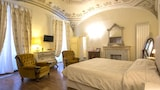 Choose This Cheap Hotel in Siena