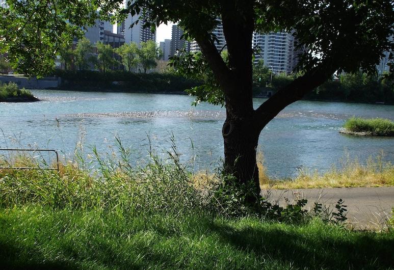 River Wynde Executive B&B, Calgary, Beach