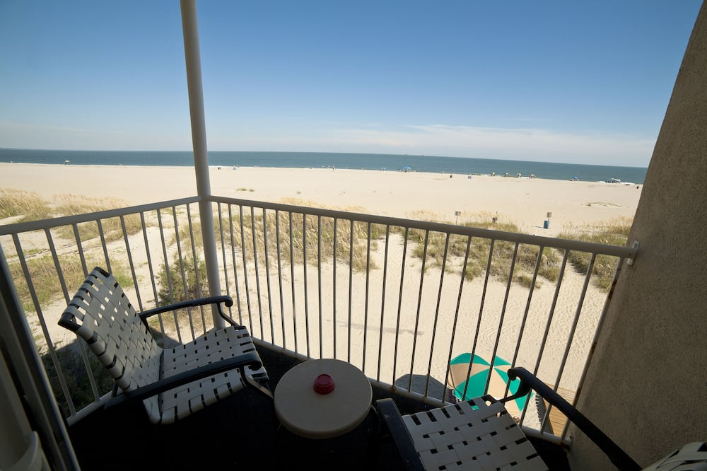 Grand Room, 1 King Bed with Sofa bed, Beach View - Balcony