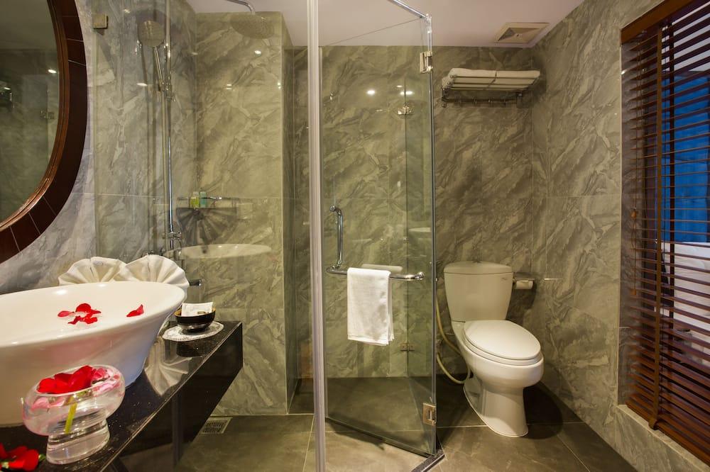 Junior Room - Bathroom