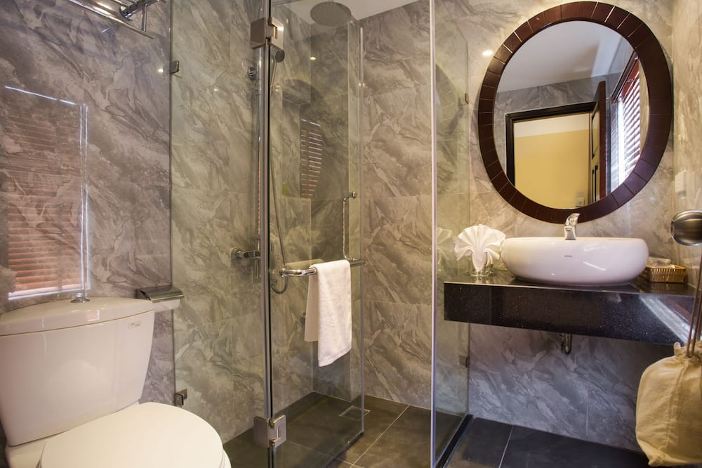 Grand Suite Balcony  - Bathroom