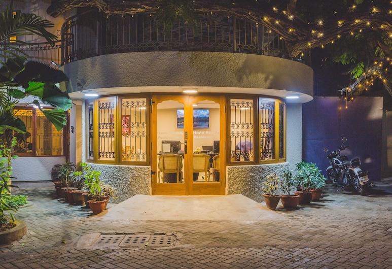 Hanu Reddy Residences Poes Garden, Chennai