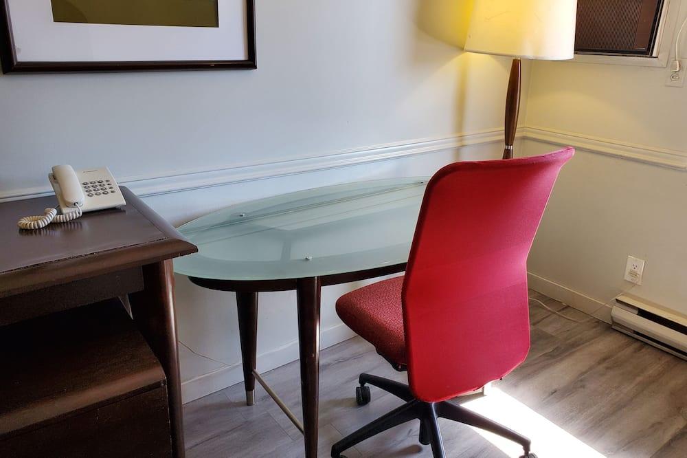 Premium Room, 2 Queen Beds - In-Room Dining