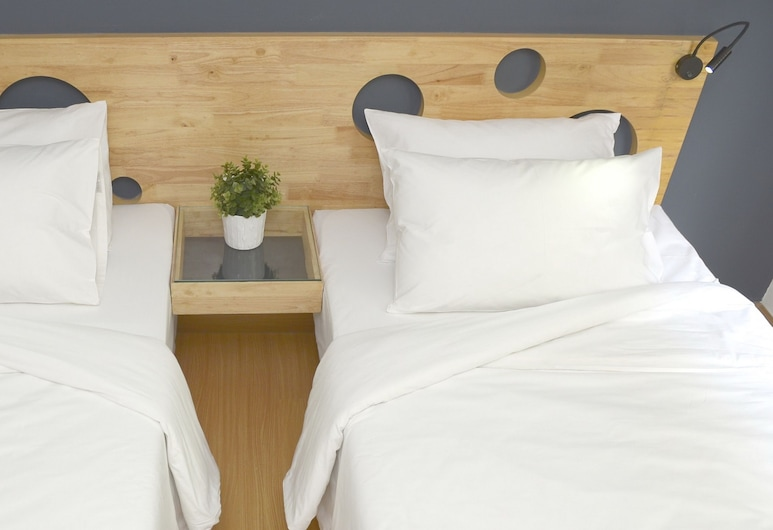 mybed Ratchada-Ladprao, Bangkok, Standard Double Room, 1 Queen Bed, Refrigerator, Guest Room