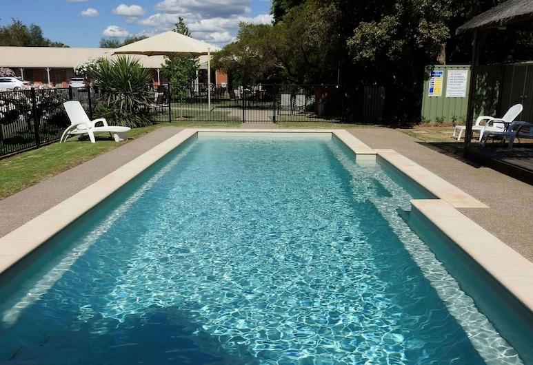 酒村汽車旅館, 魯賽格蘭, 泳池