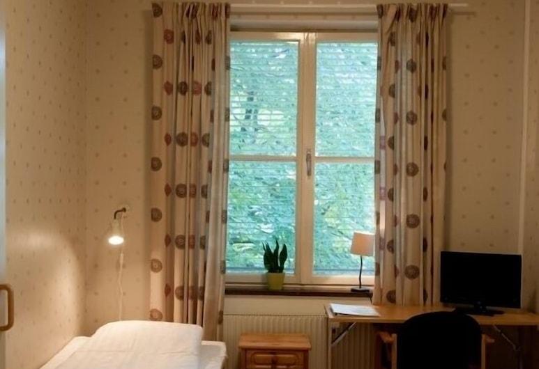 Gullberna Park - Hostel, Karlskrona, Single Room, Shared Bathroom, Guest Room