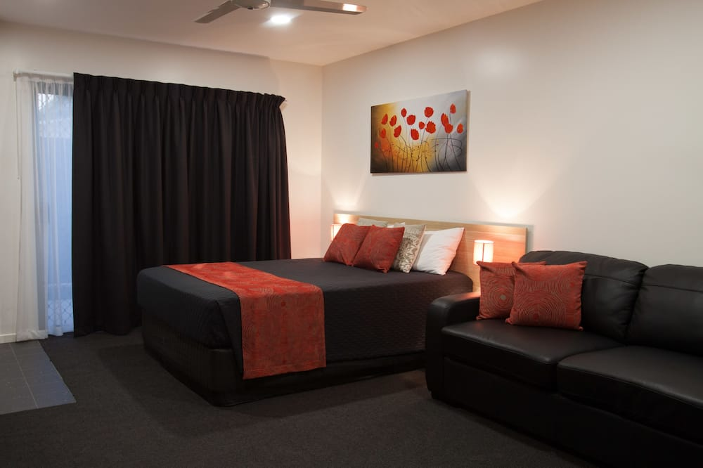Room, Accessible (Queen) - Living Area