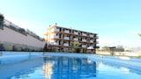 Choose This Cheap Hotel in Acri