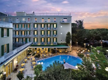 Picture of Hotel Vienna Touring in Riccione
