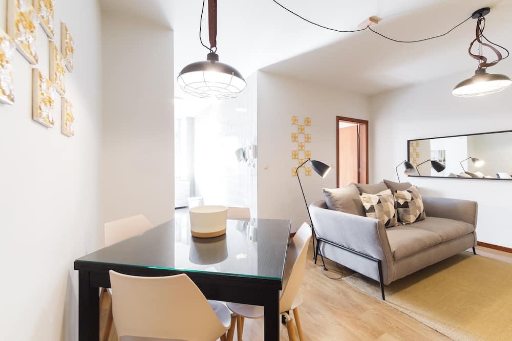 Apartman, 2 spavaće sobe, pogled na grad - Dnevna soba