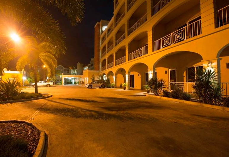 Maria's By the Sea Hotel, Road Town, Hotel Front – Evening/Night