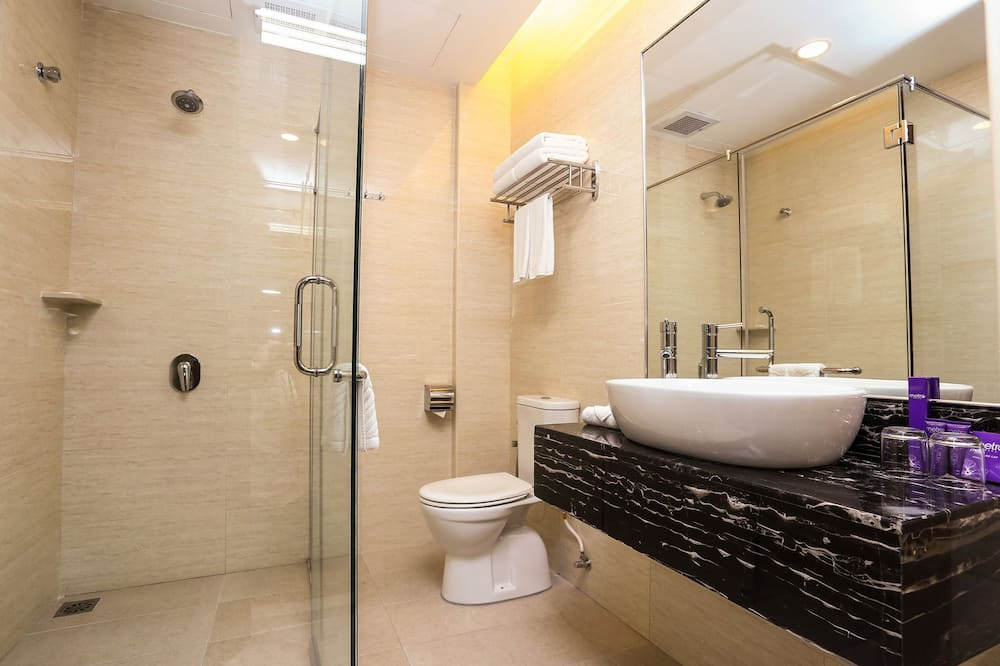 Family Quad - Bathroom